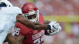 NORMAN, OK - SEPTEMBER 19: Running back Joe Mixon #25 for a touchdown against the Tulsa Golden Hurricane at Gaylord Family Memorial Stadium on September 19, 2015 in Norman, Oklahoma. (Photo by Jackson Laizure/Getty Images)