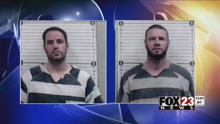 Escaped inmates reportedly ditch transport van
