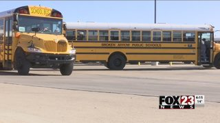 VIDEO: Broken Arrow students head to class on cold Tuesday