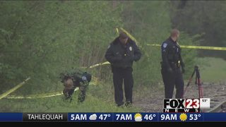 VIDEO: Police look for clues in Jenks homicide investigation