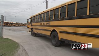 Jenks student with knife tries to get on bus