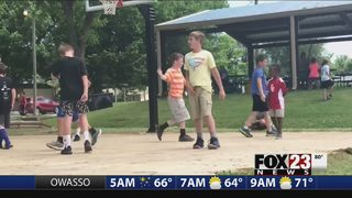 Heartwarming video shows Oklahoma boys accepting shy child at local park