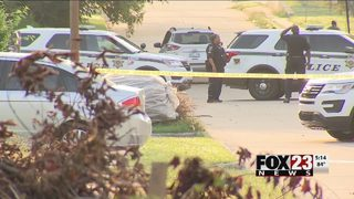 VIDEO: Police search for two suspects in north Tulsa shooting