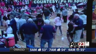 Fight breaks out at Oklahoma high school basketball game