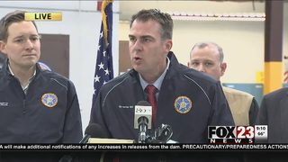 Governor Stitt & Mayor Bynum assess weather damage in Tulsa