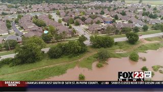 VIDEO: South Tulsa residents prepare for flooding from Arkansas River