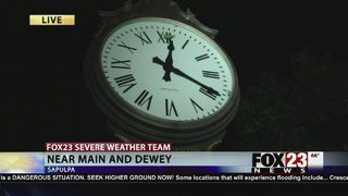 Clock in Sapulpa freezes at time tornado struck